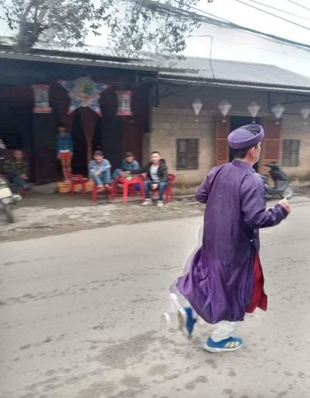 Ông Đoàn Ngọc Hải chinh phục đường chạy 42km tại Huế - 7
