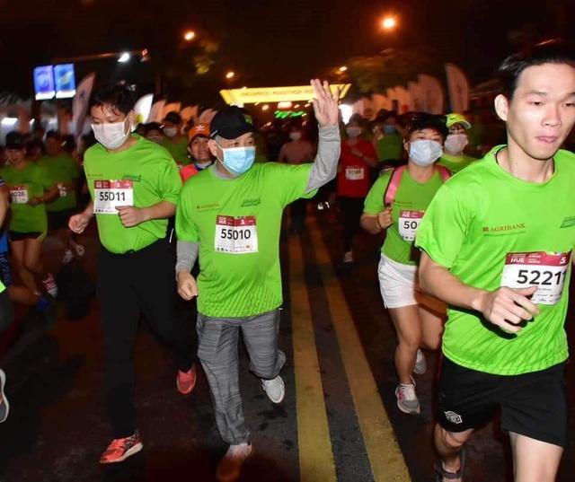 Ông Đoàn Ngọc Hải chinh phục đường chạy 42km tại Huế - 4