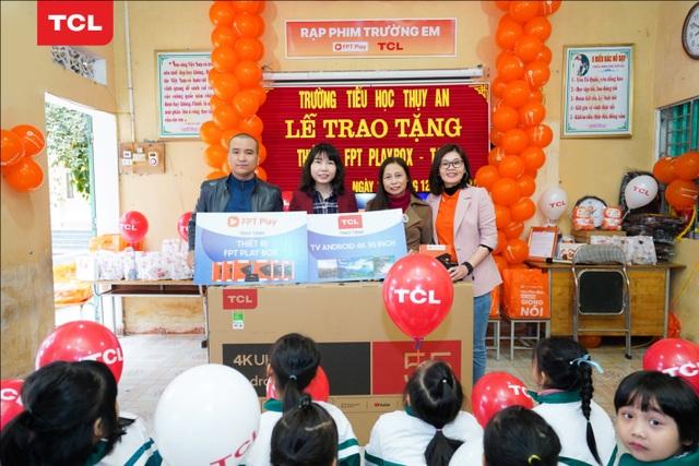 TCL kết thúc hành trình trao tặng 100 chiếc tivi đầy ý nghĩa với Rạp Phim Trường Em 2020 - 1