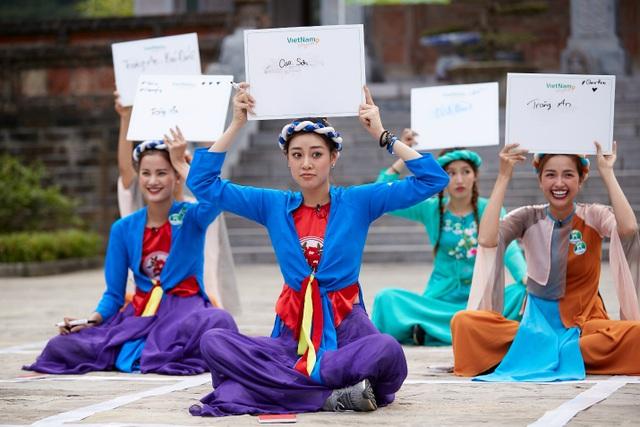 Chế Nguyễn Quỳnh Châu hoảng sợ khi Hoàng My, Kim Duyên quăng xuống đất - 8