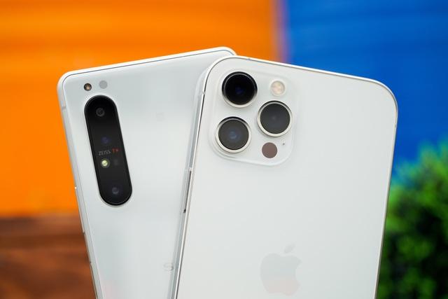 Sony Xperia 1 II đọ dáng iPhone 12 Pro Max: 30 triệu chọn smartphone nào? - 6