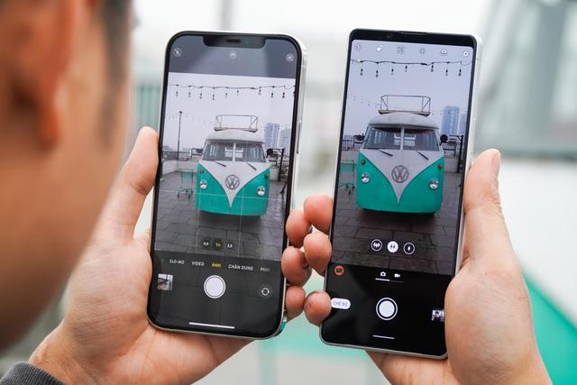 Sony Xperia 1 II đọ dáng iPhone 12 Pro Max: 30 triệu chọn smartphone nào? - 7