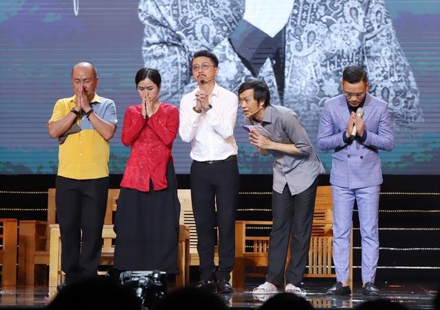 Hoài Linh tiều tụy đi diễn, nghẹn giọng khi nhắc đến cố danh hài Chí Tài - 3