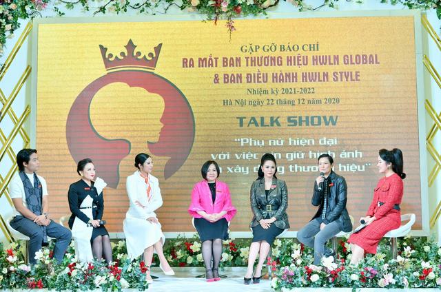 Bà trùm Trang Lê và Bùi Thanh Hương trên ghế nóng tọa đàm phụ nữ hiện đại - 1