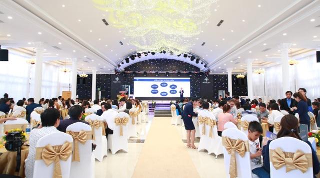 Hơn 300 khách hàng dự lễ mở bán shophouse Hacom Mall - 1