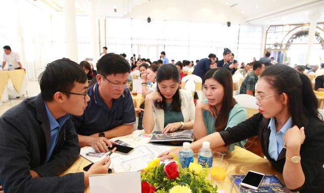 Hơn 300 khách hàng dự lễ mở bán shophouse Hacom Mall - 3