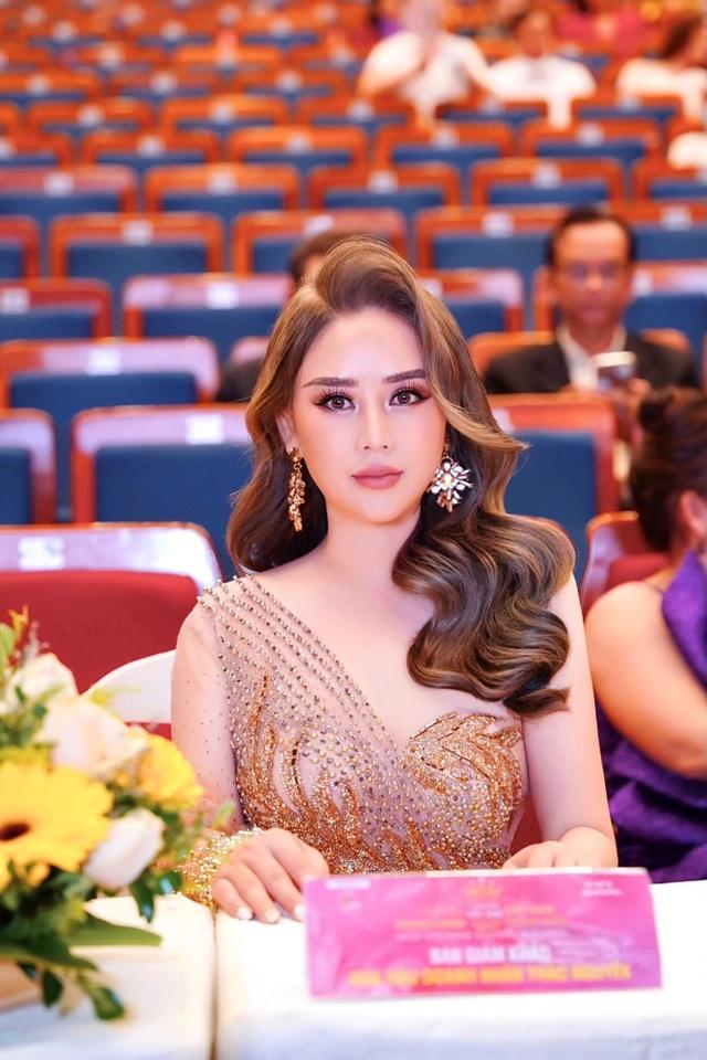 Hoa hậu Hoàng Thị Thảo Nguyên khoe sắc tại CK Hoa hậu Doanh nhân Việt Nam Toàn cầu 2020 - 1