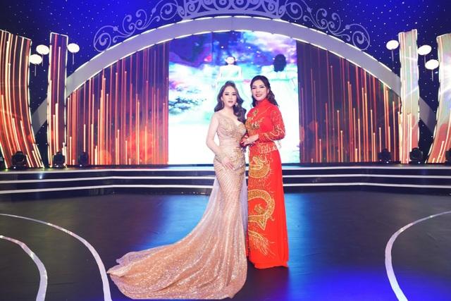 Hoa hậu Hoàng Thị Thảo Nguyên khoe sắc tại CK Hoa hậu Doanh nhân Việt Nam Toàn cầu 2020 - 4