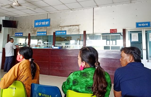 Cà Mau: Người nghèo được hỗ trợ tiền ăn, đi lại khi khám, chữa bệnh - 1