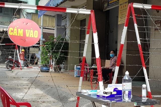 Bộ Y tế tìm những người tiếp xúc, đi cùng ca bệnh tại TP HCM và Vĩnh Long - 1