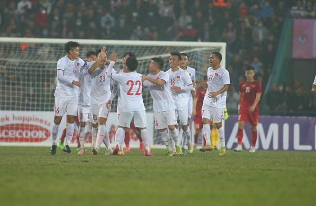Hàng thủ đội tuyển Việt Nam bộc lộ nhiều nhược điểm - 2