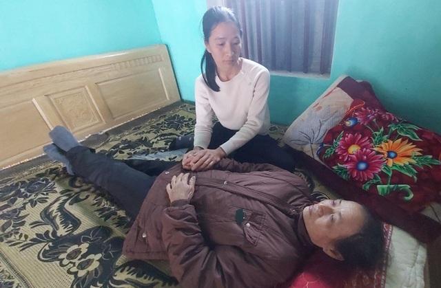 Bạn đọc hỗ trợ, nữ sinh Đại học Y  tức tốc đưa mẹ ra Hà Nội nhập viện - 4