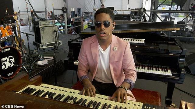 Thần đồng piano khiếm thị khiến các nhà khoa học phải kinh ngạc tìm hiểu - 1
