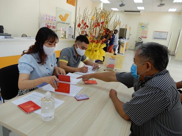 Đà Nẵng: Chi gần 300 tỷ đồng hỗ trợ người dân khó khăn do Covid-19 - 1