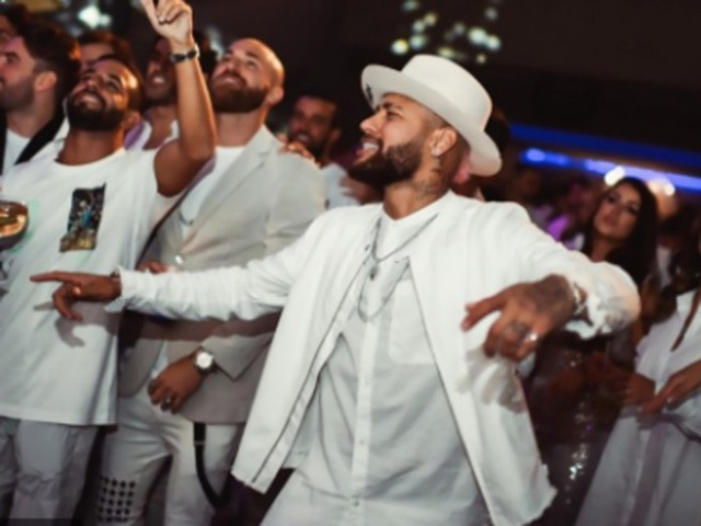 Neymar bị chỉ trích vì mời khách tiệc tùng giữa đại dịch Covid-19 - 3