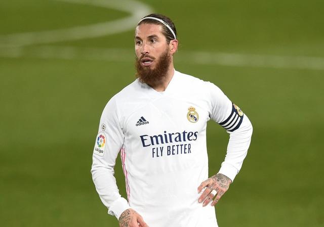 HLV Mourinho gây sốc khi muốn chiêu mộ Sergio Ramos - 2
