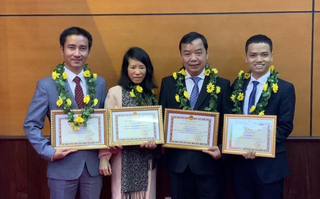 Giám đốc công ty First News được tặng giải thưởng phát triển văn hóa đọc - 2
