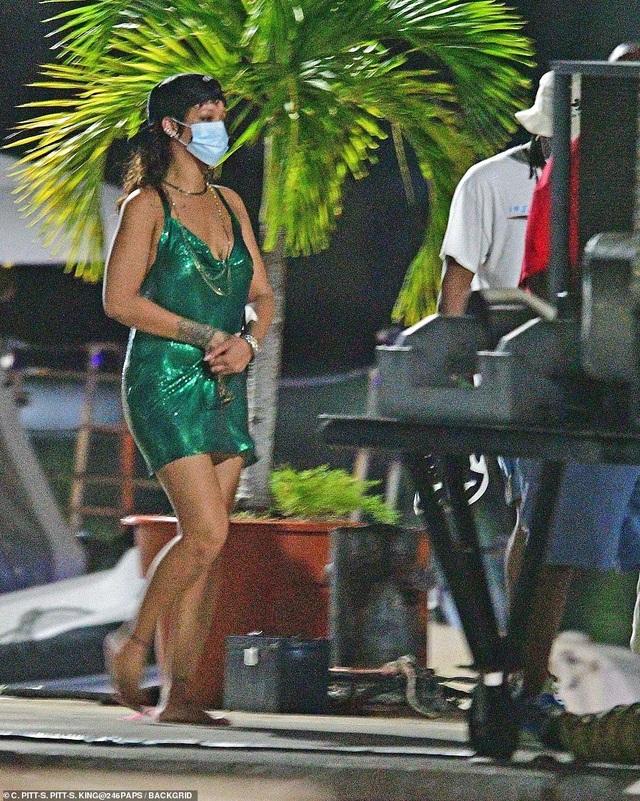 Rihanna nghỉ giáng sinh cùng bạn trai mới - 1
