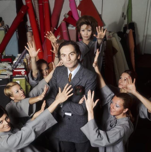Nhà thiết kế thời trang huyền thoại Pierre Cardin qua đời ở tuổi 98 - 4