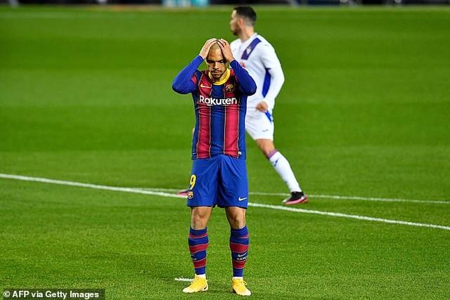 Barcelona hòa thất vọng trong ngày vắng Messi - 6