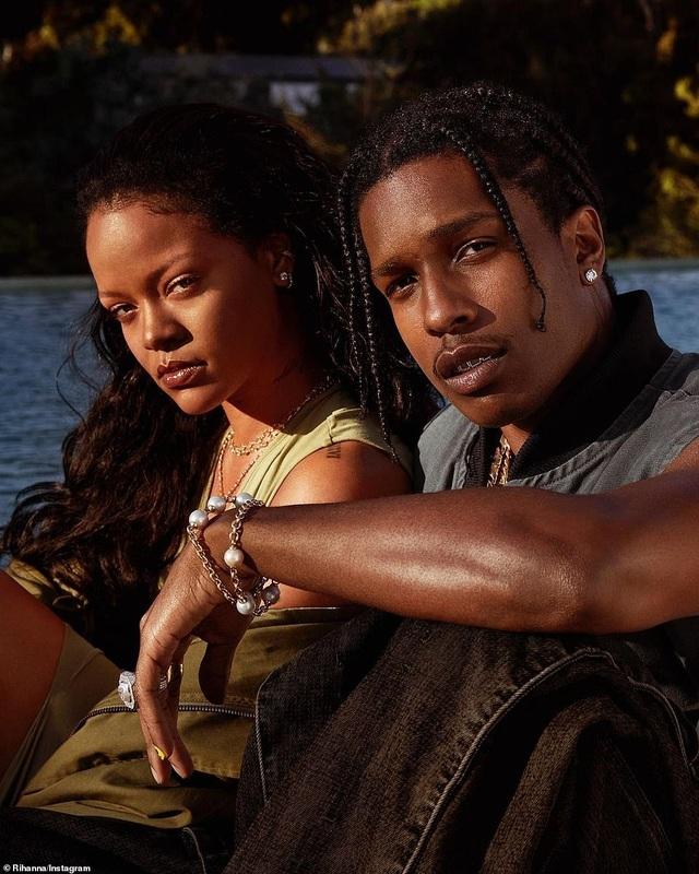 Rihanna nghỉ giáng sinh cùng bạn trai mới - 7