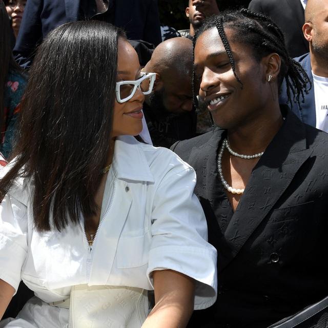 Rihanna nghỉ giáng sinh cùng bạn trai mới - 9