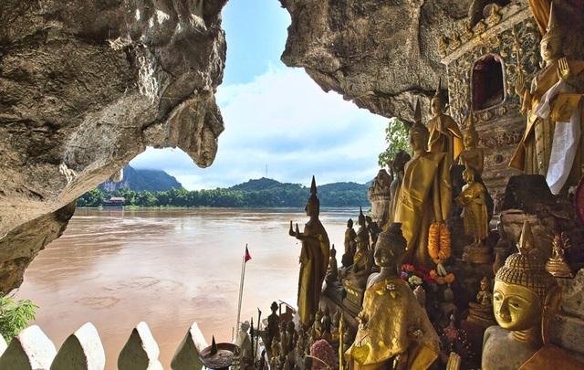 Bất ngờ bên trong hang động có 4.000 pho tượng Phật được chạm khắc tinh xảo - 4