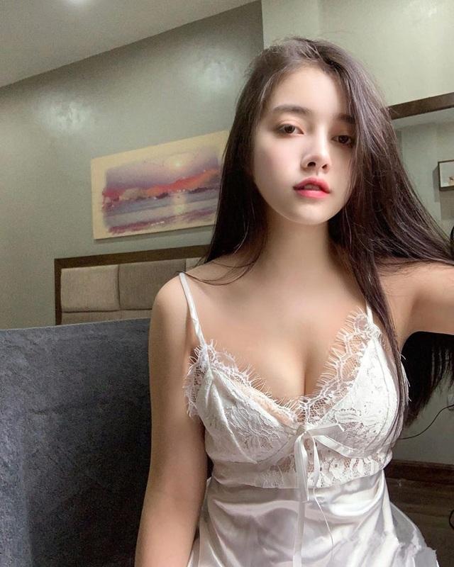 Cô gái nổi tiếng vì mặc áo dài quá đẹp, ảnh đời thường còn bất ngờ hơn - 12
