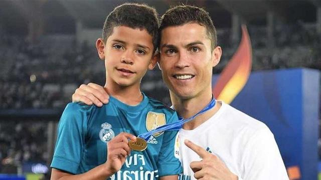 C.Ronaldo không kỳ vọng con trai phải theo nghiệp cầu thủ - 3