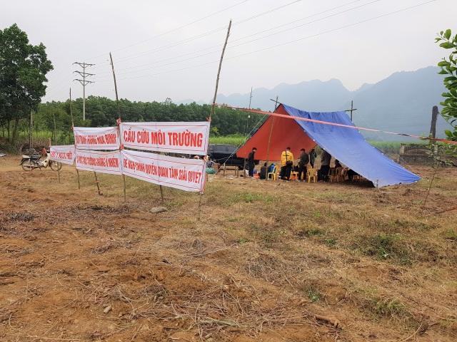 Vụ dân dựng lều canh nhà máy xả thải: Hé lộ dấu hiệu gây ô nhiễm - 4