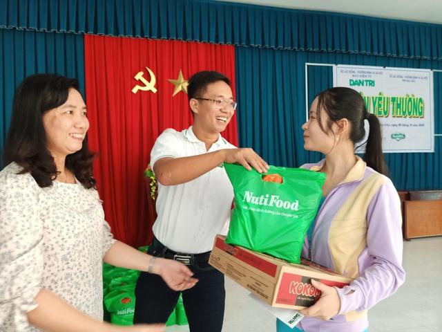 Mang Xuân yêu thương đến gia đình khó khăn, chính sách ở Bạc Liêu - 3