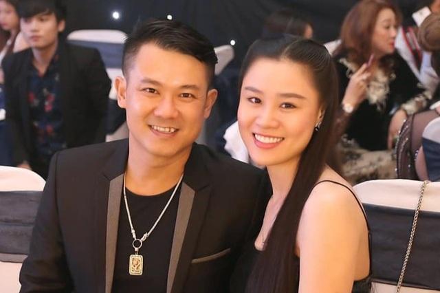 Vợ Vân Quang Long khóc nức nở vì vẫn chưa được gặp chồng - 1
