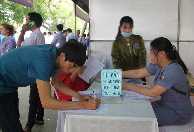Năm sóng gió, công tác XKLĐ ở Bình Định gặp khó  - 1