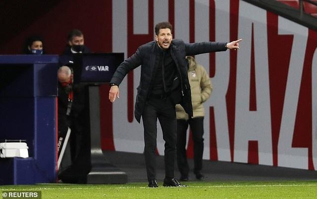 Luis Suarez giúp Atletico vững ngôi đầu bảng La Liga - 5