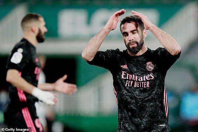 Real Madrid hụt hơi trong cuộc đua ngôi đầu với Atletico - 3