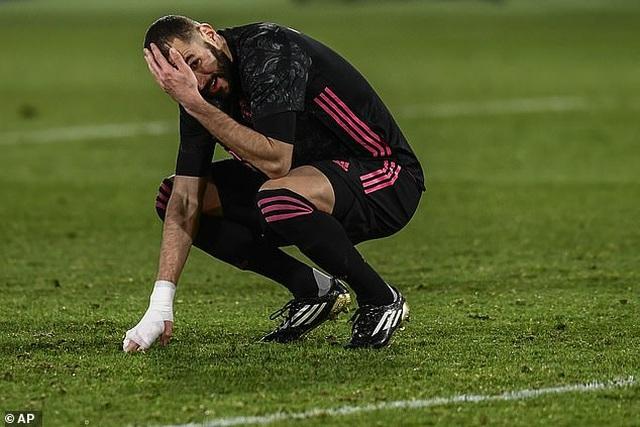 Real Madrid hụt hơi trong cuộc đua ngôi đầu với Atletico - 5