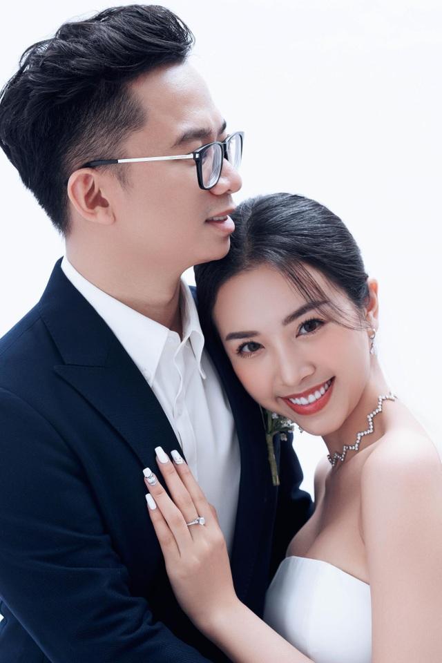 Á hậu Thúy An bất ngờ tung ảnh cưới và công bố kết hôn cùng chồng Tiến sĩ - 3