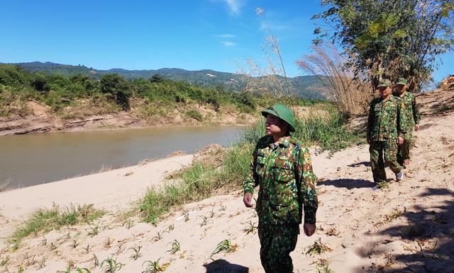 Bộ đội Biên phòng đón tết nơi biên giới canh người nhập cảnh trái phép - 1