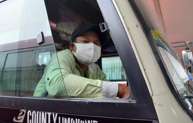 Các bến xe ở TPHCM thở phào trong ngày cuối năm - 2