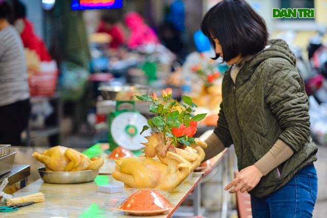 Cảnh vắng vẻ đìu hiu chưa từng có ở khu chợ sắm Tết của nhà giàu Hà Nội - 5