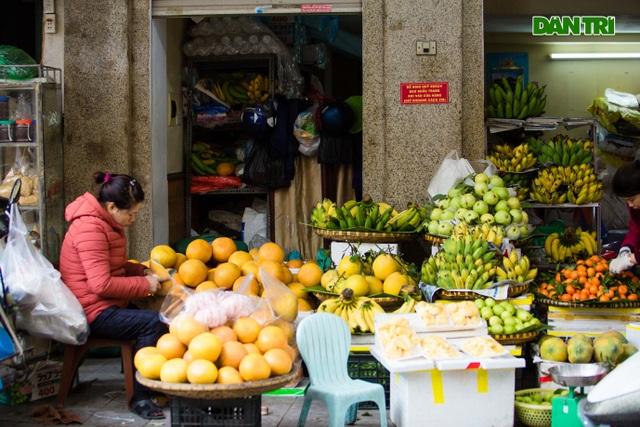 Cảnh vắng vẻ đìu hiu chưa từng có ở khu chợ sắm Tết của nhà giàu Hà Nội - 7