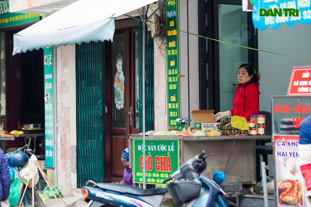 Cảnh vắng vẻ đìu hiu chưa từng có ở khu chợ sắm Tết của nhà giàu Hà Nội - 13