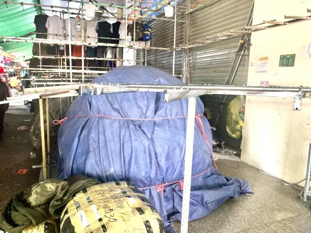 Lạ chưa từng thấy: Tiểu thương chợ Ninh Hiệp đồng loạt đóng cửa áp Tết - 2