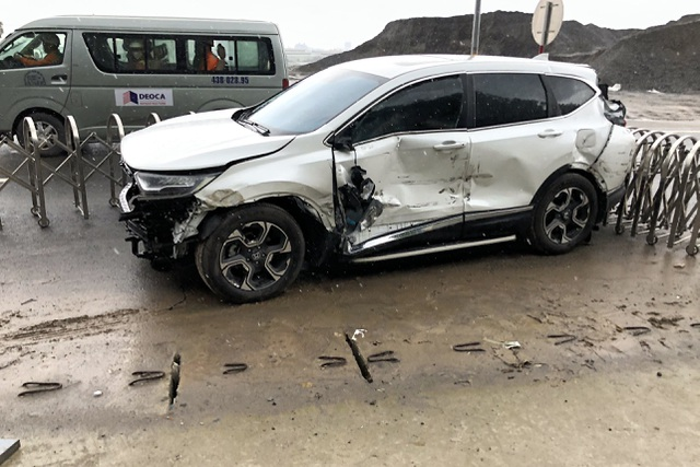 Tài xế xe tải mất kiểm soát tay lái gây tai nạn liên hoàn - 2