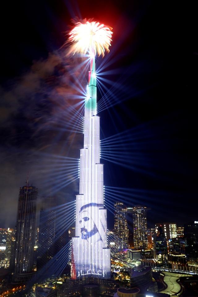 Mãn nhãn bữa tiệc pháo hoa, ánh sáng tại tòa nhà cao nhất thế giới - 3
