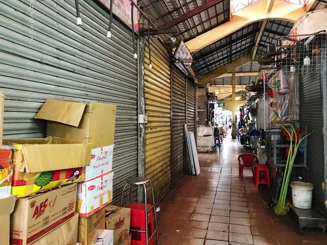 Tiểu thương chợ Bến Thành gặp khó, chuyển nghề đi giúp việc, chạy xe ôm - 9