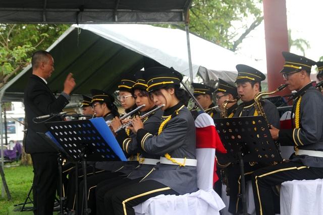 Thưởng thức âm nhạc vui nhộn dàn kèn Huế ngày đầu năm - 4