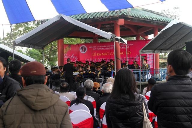 Thưởng thức âm nhạc vui nhộn dàn kèn Huế ngày đầu năm - 10