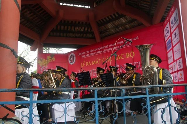 Thưởng thức âm nhạc vui nhộn dàn kèn Huế ngày đầu năm - 11