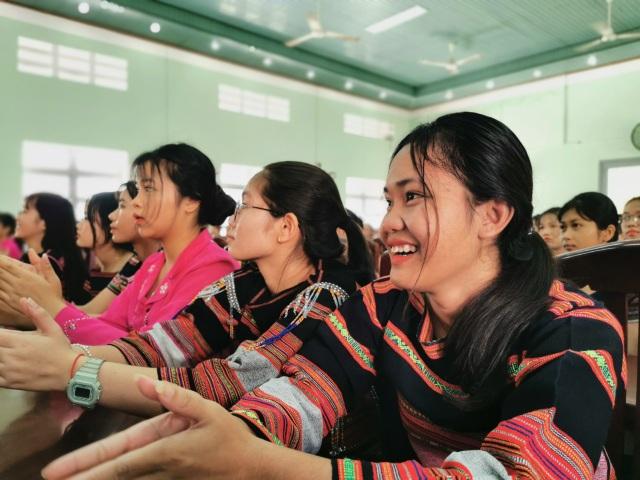 Năm 2021: Tăng quy mô tuyển sinh học nghề, triển khai 4 chính sách giáo dục  - 3